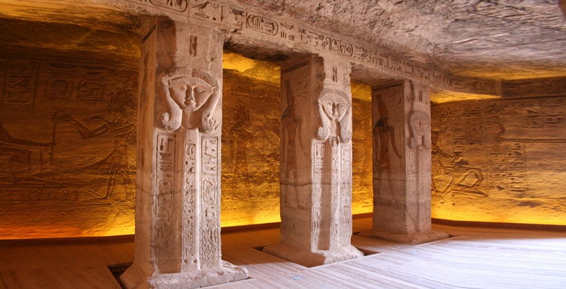 Интерьер Малого храма в Абу-Симбел