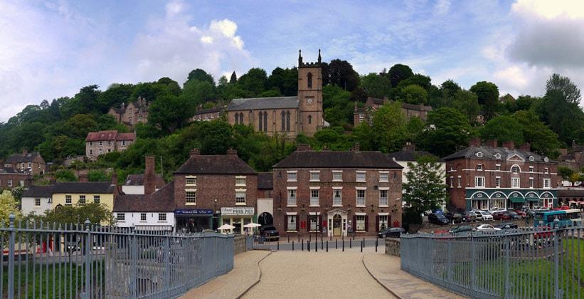 Деревня Айрон-Бридж в Англии