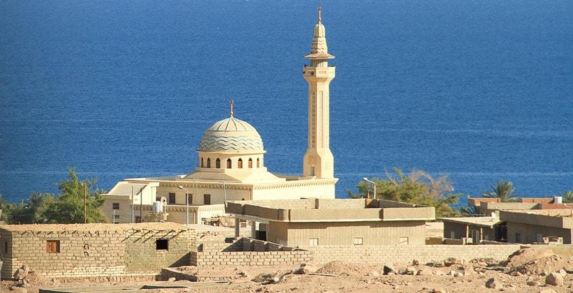 Небольшая мечеть в Красном море (Синайский полуостров)