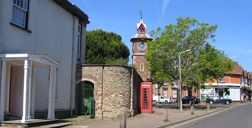 Деревня Нетер-Стоуи в Англии