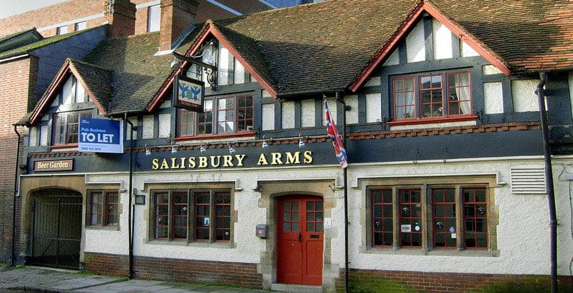 Паб Sailsbury Arms в Англии