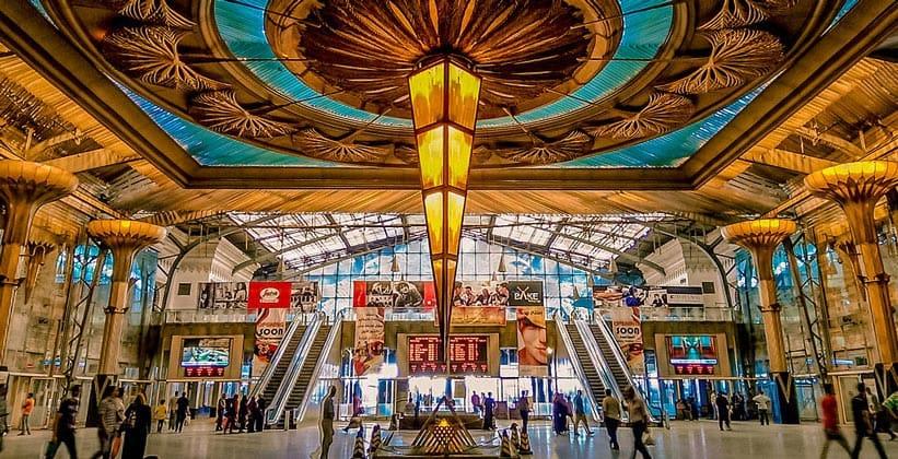 Внутри вокзала Рамсес в Каире