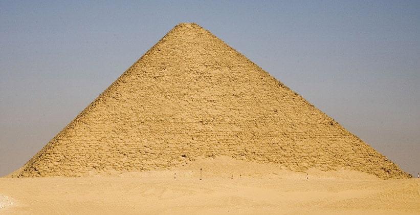 Красная пирамида в Дашуре