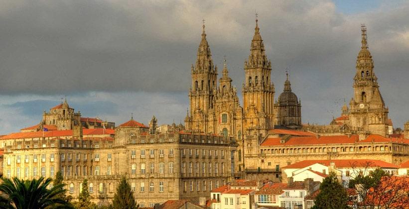 Город Сантъяго-де-Компостела в Испании