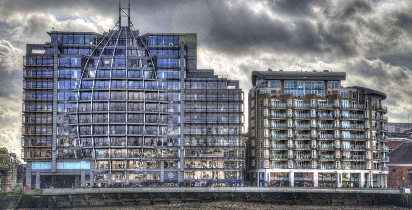 Современные строения района Саут-Бэнк в Лондоне