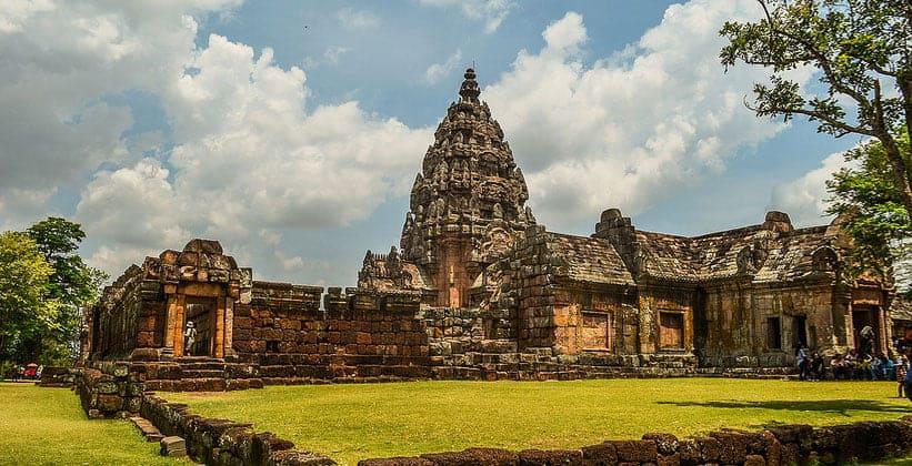 Замок храма Прасат Пханом Рунг в Таиланде