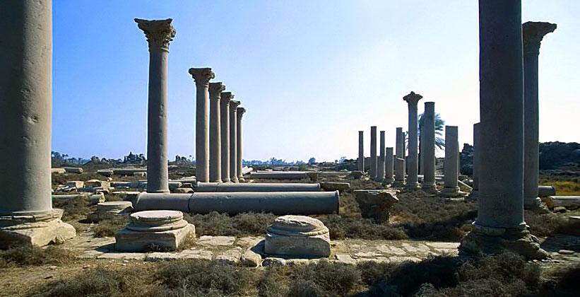 Руины города Гермополя