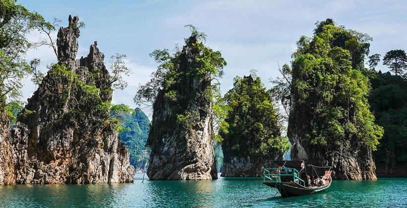 Известняковые скалы в Национальном парке Кхао Сок