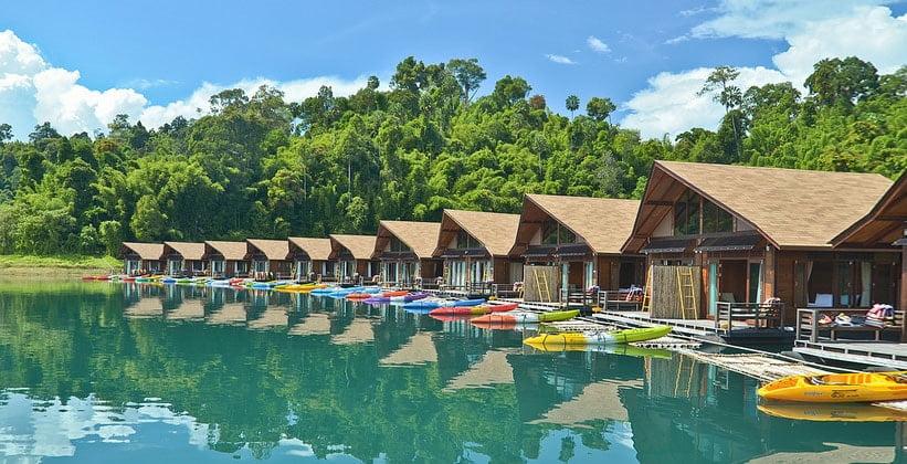Пансион на озере Чео Лан