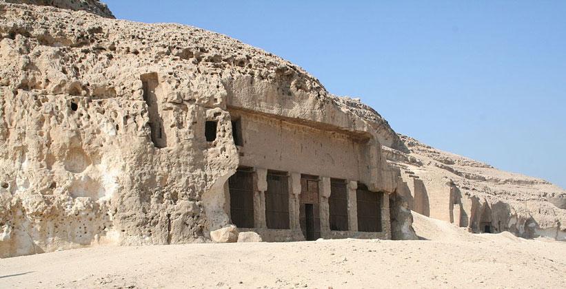 Храм Спеос Артемидос в Египте