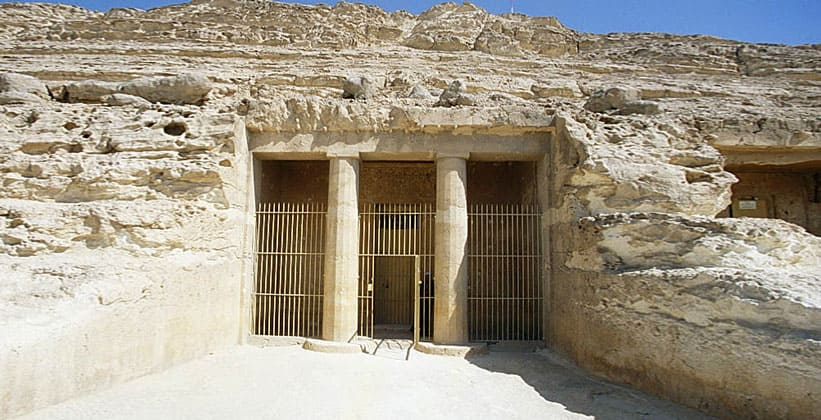 Вход в гробницу Хнумхотепа