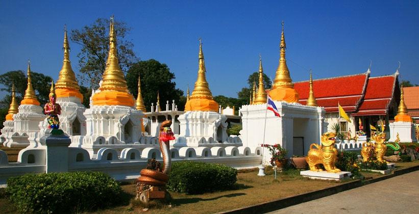 Храм Ват Чеди Сао (Храм Двадцати Чеди)