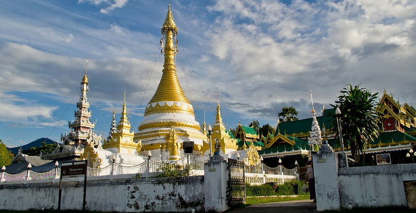 Храм Ват Чонг Кланг в Мэхонгсоне