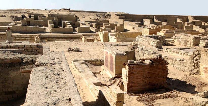Храм Мединет Мади в Египте