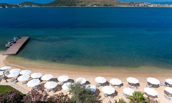 Пляж отеля «Resort Murat Reis» в Айвалыке