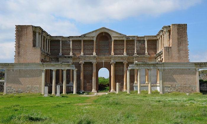 Руины Гимнасия Сарды