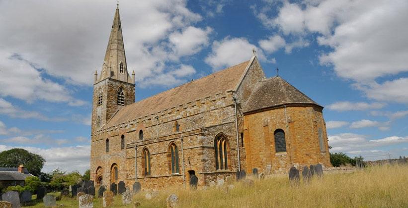 Церковь Всех Святых в Англии