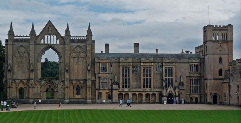 Ньюстедское аббатство в Англии