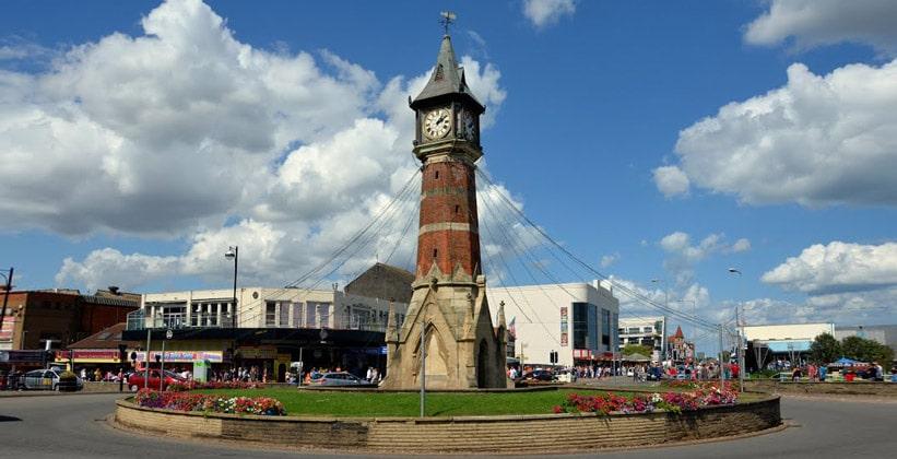 Часовая башня городка Скгнесс в Англии