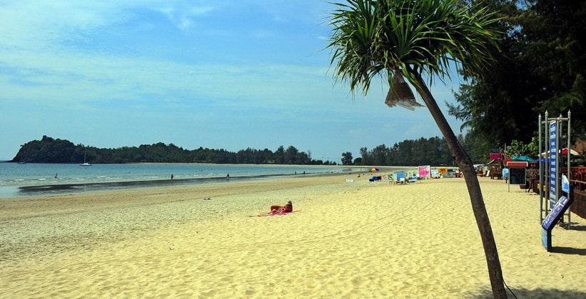 Курорт (пляж) Хат Кхлонг Дао на острове Ко Ланта Яй
