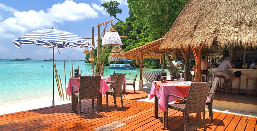 Один из ресторанов острова Пх-Пхи в Таиланде