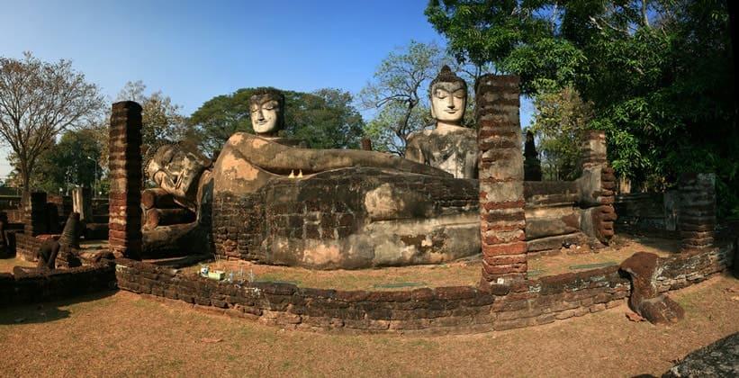 Храм Ват Пхра Каео в Кампенг Пхете