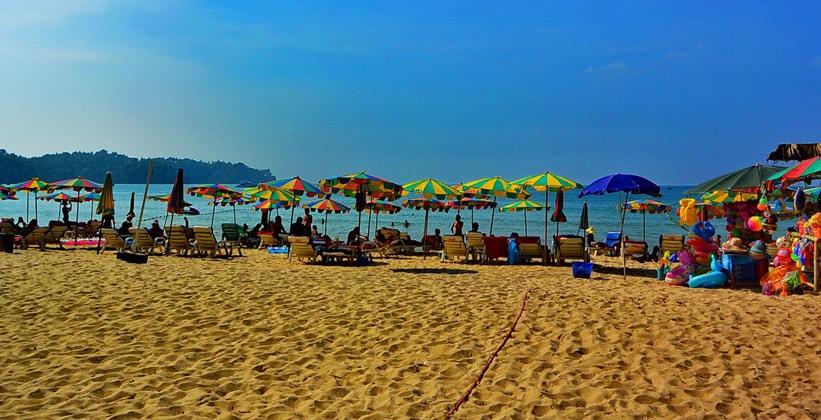 Пляж Ао Банг Тао на острове Пхукет