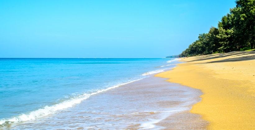 Пляж Хат Май Као на острове Пхукет