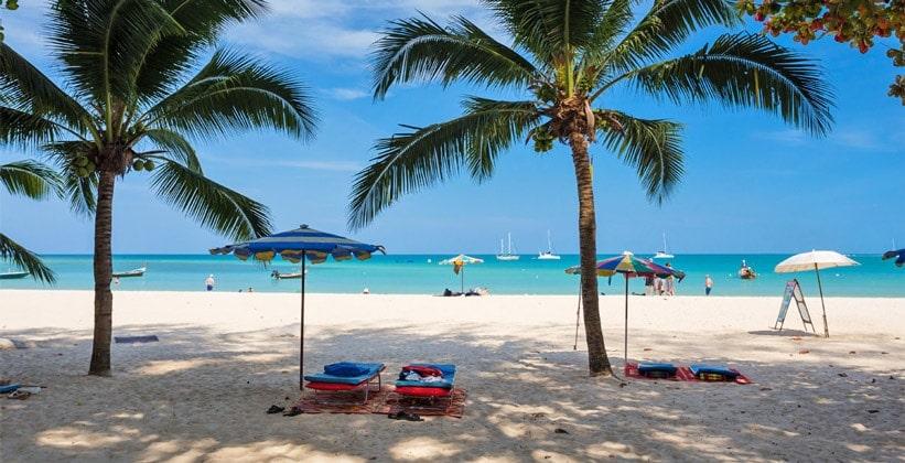 Пляж Хат Най Янг на острове Пхукет