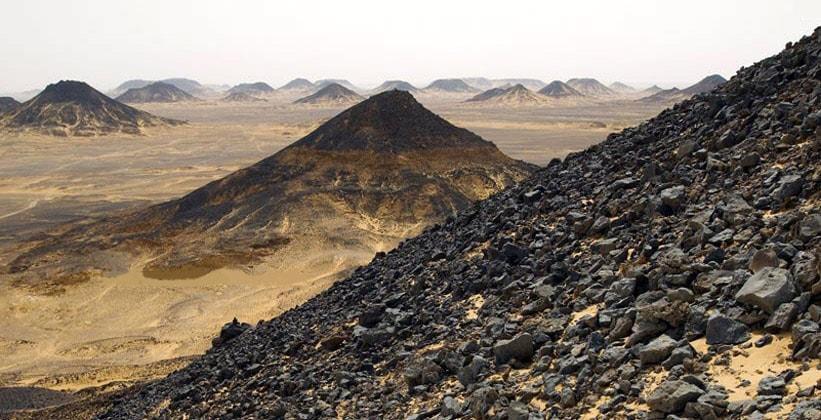 Чёрная пустыня в Египте (оазис Фарафра)