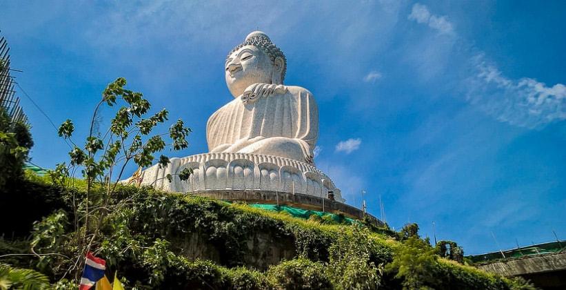 Статуя Большого Будды на острове Пхукет