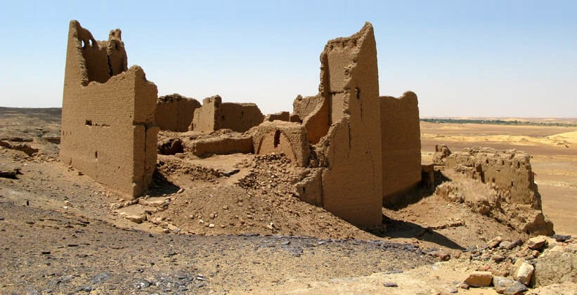 Руины монастыря Дейр эль-Кашеф в Египте