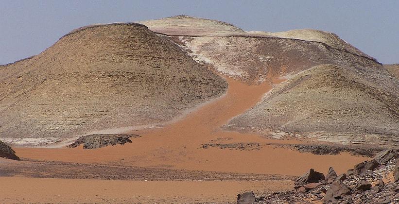 Плато Гильф Кебир в Египте