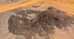Высота Джебель Увейнат в Египте