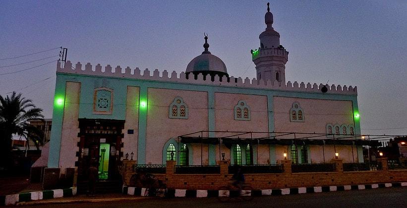 Мечеть города Мут в Египте