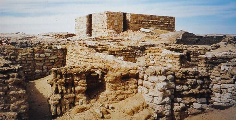 Руины храма Александра (оазис Бахария)