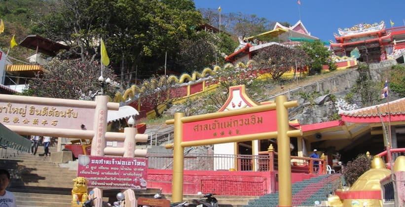 Храм Саан Чао Hay Кхао Яй в Таиланде