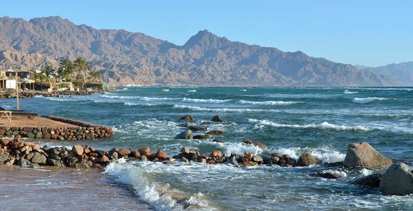 Вид с пляжа Дахаба (Египет)