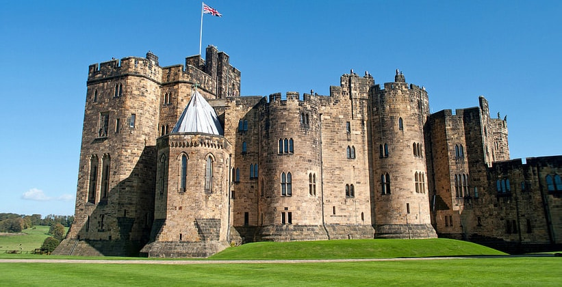 Замок Алнвик в Англии