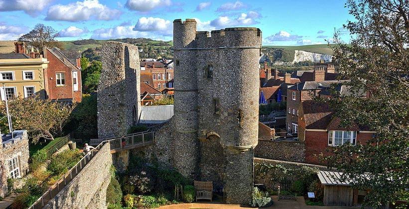 Замок Льюиса в Англии