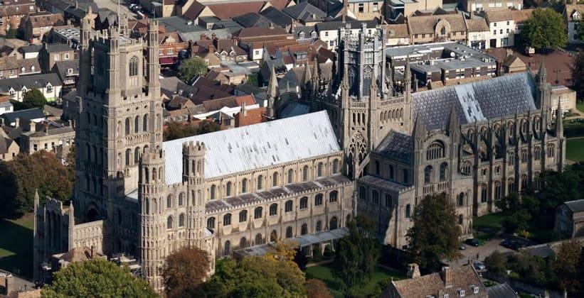 Кафедральный собор в городе Или (Англия)