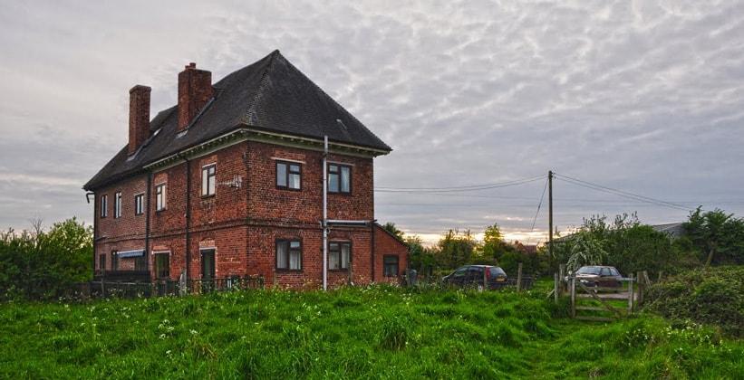 Деревня Лоуэр Бродхет в Англии