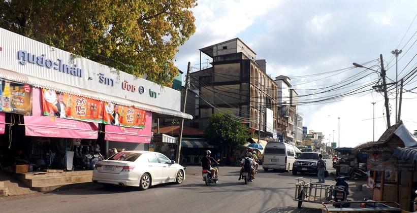 Город Сураттхани в Таиланде