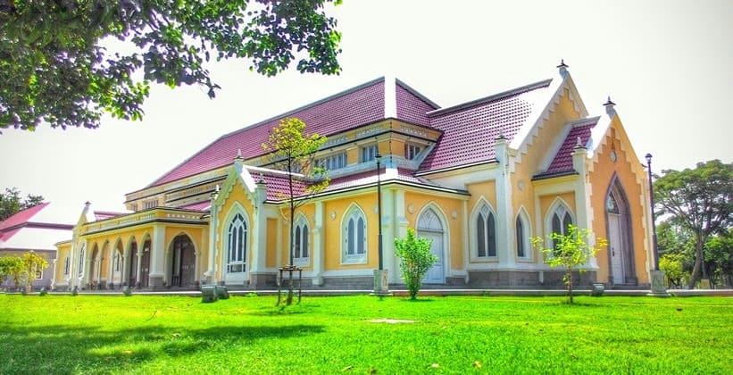 Храм Wat Nivet Tham Pravat