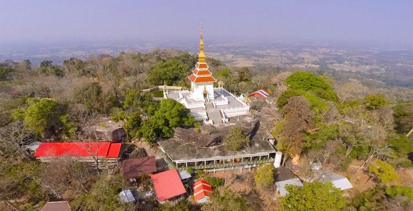Храм Wat Tham Kham в Таиланде