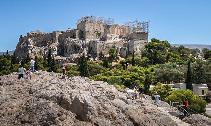 Вид Акрополя с холма Ареопаг Афин