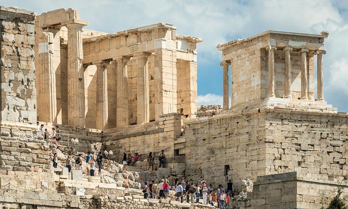 Западная сторона Пропилеи Акрополя Афин