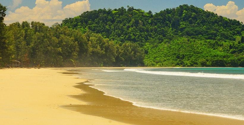 Пляж Ао Яй на острове Ко Паям (Таиланд)