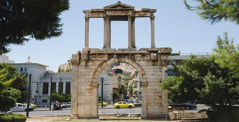 Арка Адриана в Афинах (Греция)