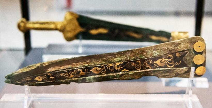 Бронзовые кинжалы Национального археологического музея Афин